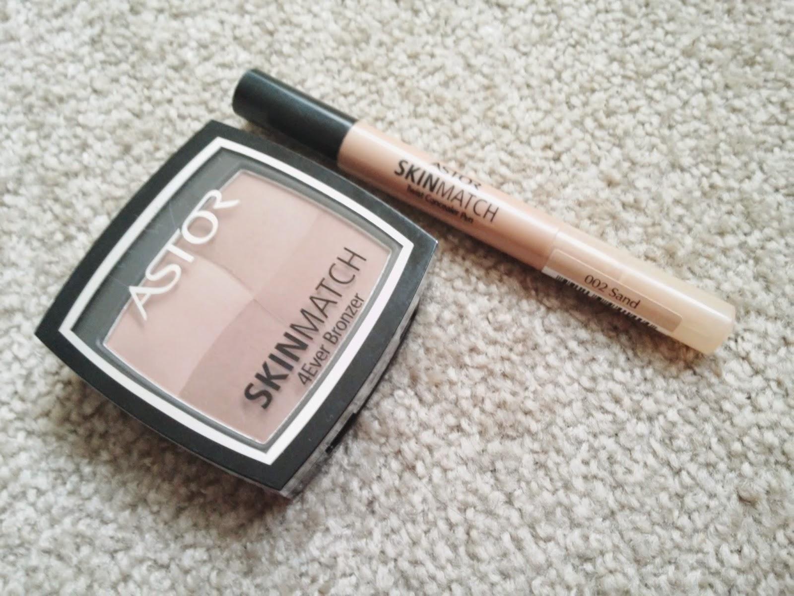 Rozświetlający korektor Astor: Skin Match Twist Concealer Pen